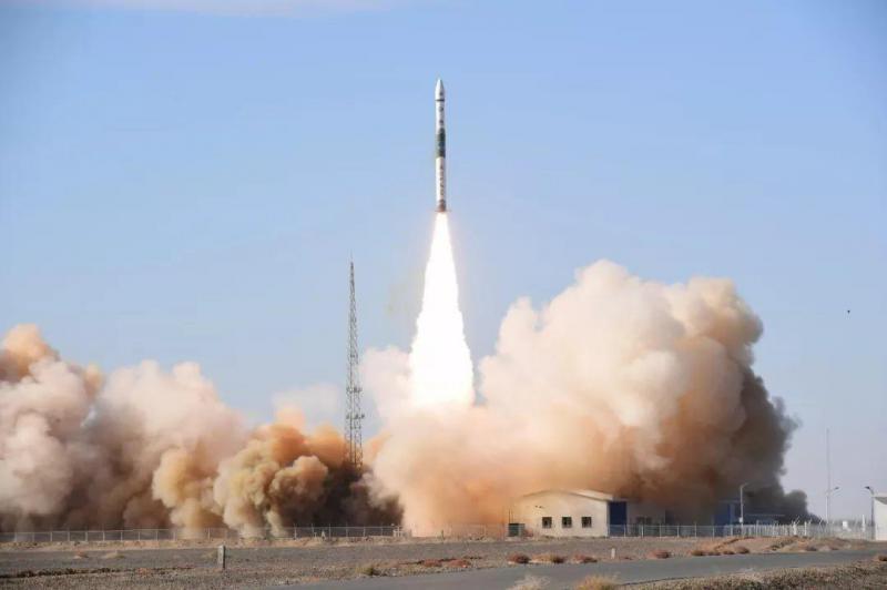 宁夏一号卫星和长征六号运载火箭发射升空,卫星
