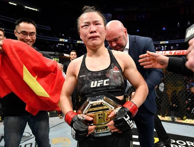 中国力量!张伟丽击败乔安娜,卫冕UFC女子草量级